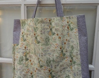 Handmade Knitting/Crochet Project Bag - Tote Style - Beautiful hedgerow fabric - Lots of pockets
