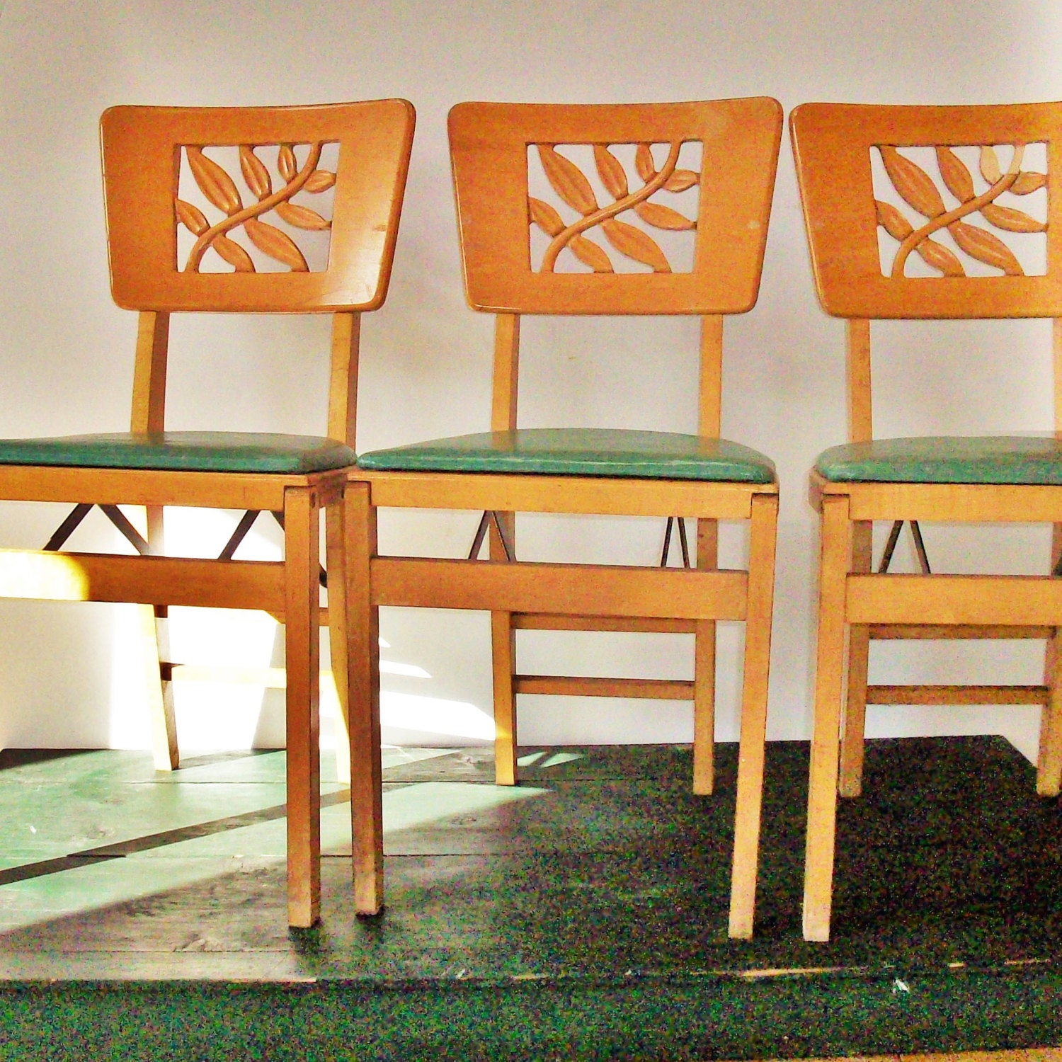 Vintage Stakmore Art Deco Folding Chairs Great Leaf Design
