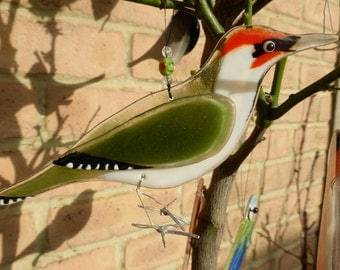 Fused glass green woodpecker - bird lover gift  - garden birds - british birds - nature lover gift - garden ornament - british wildlife