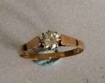 9ct gold CZ solitaire engagement ring