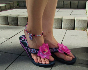 Summer beach set - sewn and beaded flower flip flops with barefoot sandal in the purple and pink