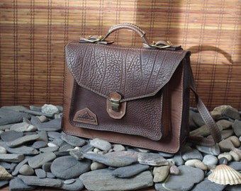 briefcase, computer, towel satchel in vegetable-tanned leather, handicraft, brown