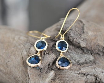 Navy Blue Glass With Kidney Wire Earring, Navy Blue bridesmaid earrings.bridesmaids jewelry. Wedding jewelry. Bridal earrings.