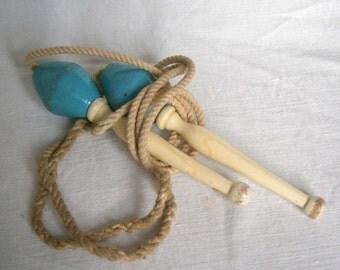vintage skipping rope