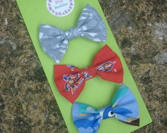"Set of 3 ""tomboy"" hair bows: space, robots, dinosaurs. Alligator clips for girls' hair!"