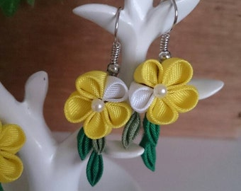 Yellow flower earrings 8-2