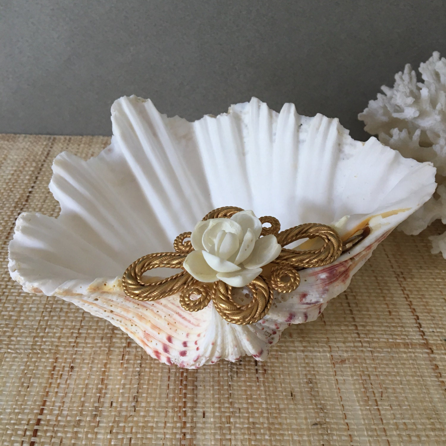 Vintage Ring Dish Clam Shell Clamshell Seashell Ring