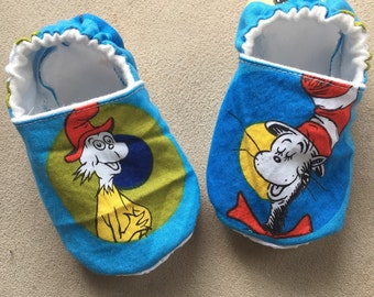 Dr Seuss, Cat in the Hat, booties, baby shoes, crib shoes, infant, slippers, 1st birthday, first, smash cake