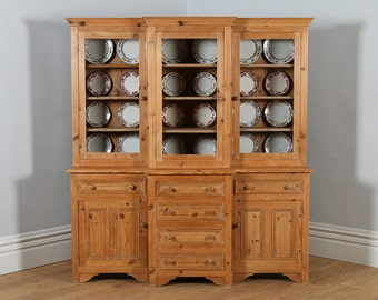 Georgian Style English Breakfront Pine Housekeepers Kitchen / Food / Cupboard / Bookcase / Display Cabinet (Circa 1960)