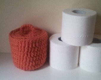 Toilet tissue cover, crocheted tissue cover, tissue paper basket, home décor, bathroom decor, ready to ship