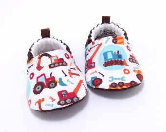 Construction Baby Shoes, Soft Sole Baby Shoes, truck Baby Booties, Baby shower gift, Toddler slippers, tools baby shoes, vehicles