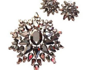Black Opaque Stone Brooch/Pin and Earrings Vintage 1950 Crown Trifari