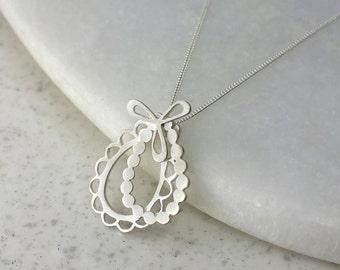 Frilly Ava Necklace
