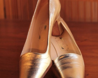Gold Leather Pumps- Size 6 1/2 N- Vintage