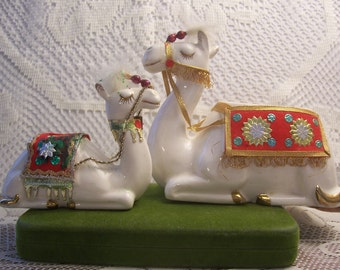 Rare Holt Howard Camel Figurines