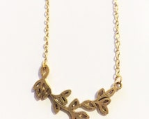 Classy gold branch necklace