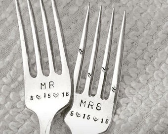 Vintage wedding forks, cake forks,  - Mr and Mrs dated with heart tines, hand stamped and personalized