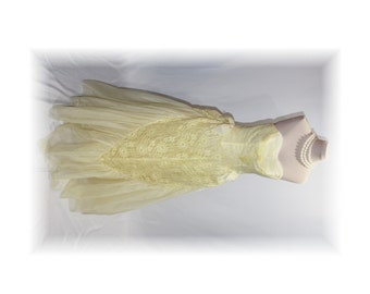 1950's Floor Length Prom Dress / Enchantment Under the Sea Gown / Vintage Yellow Formal-Size Small (B27)