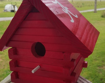 Log Cabin Bird house, Red, Clean out Door