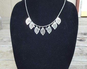 Delicate Leaves Necklace