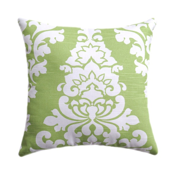 damask accents in green - photo #3
