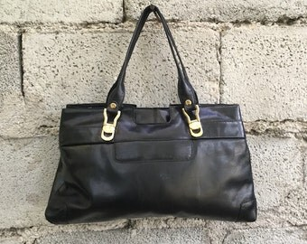 Vintage Bag/ 80s/ leather/ Black/ lined/ handles/ zip inside/ two pockets/ height 26 cm/ Made in Italy