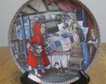 """Edwin M Knowles """"Little Red Riding Hood"""" Plate"""