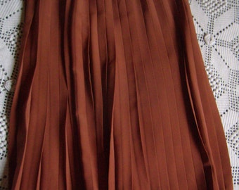 Beautiful skirt pleated, rust/Tan, French Vintage 1970, size M 40/42, Paul Mausner