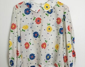 Vintage 1960's Floral Print Peter Pan Collar Blouse // Size Medium