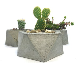 Geometric Concrete Planter (with or without drainage holes)
