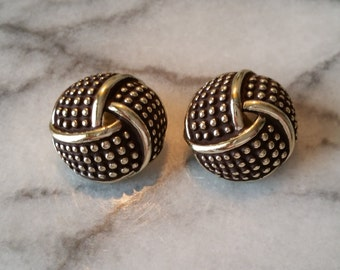 Vintage MX 208 Signed Gold Knot Motif Clip On Earrings