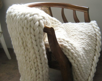 Chunky Knit blanket, Wool Blanket, Arm Knit Blanket, Wedding gift, Super Chunky Merino Wool Blanket, Giant Knit Throw, pick your color