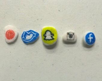 Social Media Pebbles