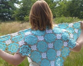 Crochet pattern shawl Blue Lagoon (English US / Dutch download)