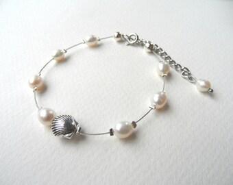 Bridal bracelet, freshwater pearls bracelet, bridesmaid bracelet, wedding bracelet, shell bracelet, white pearl bracelet