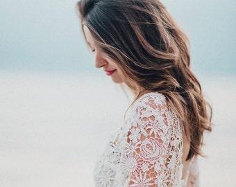 Julie / / wedding dress bridal gown of lace vintage boho / / light & lace wedding dress