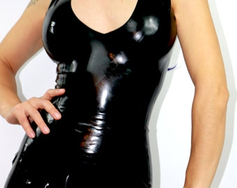 Latex basic zippered top