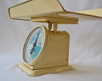 Vintage 1960's Yellow Baby Scale Complete With Platform