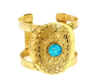 Gold cuff bracelet - druzy bracelet - cuff bracelet métal bracelet blue druzy - metal jewelry - gold bracelet - geometric bracelet jewelry