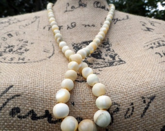 Vintage Les Bernard Graduated Mother of Pearl Necklace! Hand Knotted w Large Iridescent, Variegated Natural Round Beads, White, Ivory, Beige