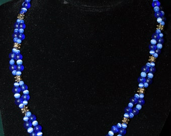 Double loop blue beaded necklace