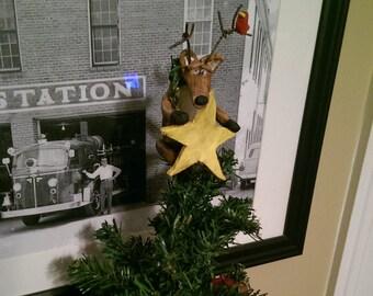 Reindeer Tree Hugger with Star