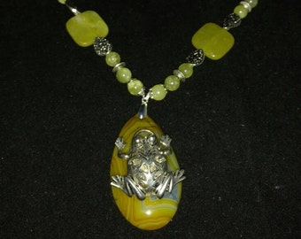 Agate Jungle Frog Necklace