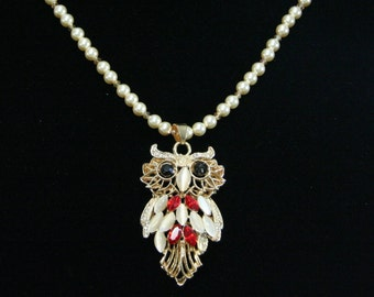 Wise old Owl pendant Necklace.  32 inches long         N-08