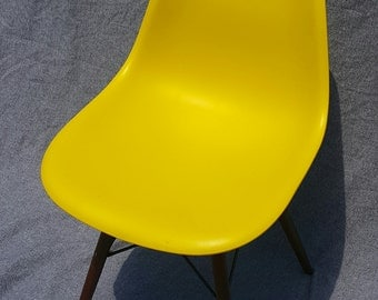 Mid-Century Modern Classroom Style Slope Chair