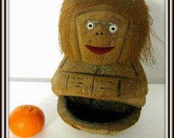 Old coconut monkey 1950 holiday kids gift hand geschitzte coconut monkey souvenir home decor nursery OMA key ring box
