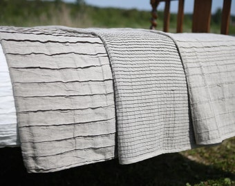 Big linen bed throw. 3 styles. Organic. Pleated linen blanket. Oatmeal grey blanket. Taupe bed throw. Linen bed spread. Queen, king.