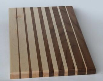 Black Walnut & Maple gradient interleaved cutting board