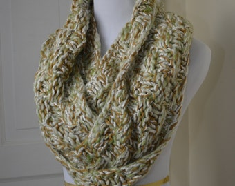 """Totally Tricia Hand Knit Cowl """"Meringue"""""""