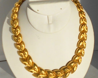 Monet Necklace Gold Tone Graduated Leaf or Feather Design Statement Necklace Vintage 1980's